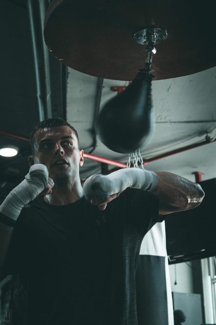 Q&A med matchaktuelle proffsboxaren, Oscar Ahlin – Titel-Fight i Bryssel på söndag
